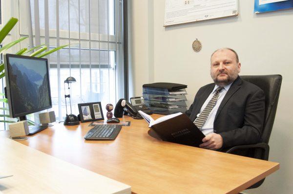 prof. dr hab. inż. Konrad Świerczek